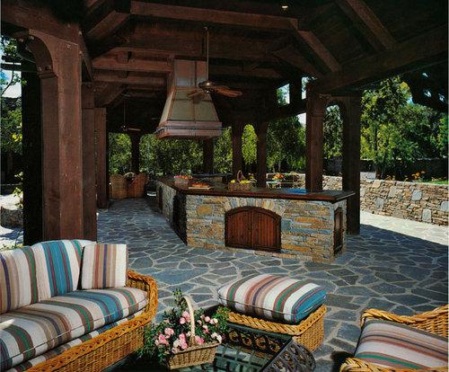 Neverland house- backyard patio