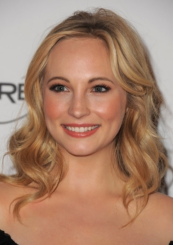 New foto of Candice at 'The Art Of Elysium' Gala (January 15th 2011).