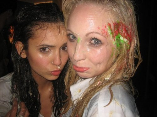 Nina Dobrev&Candice Accola