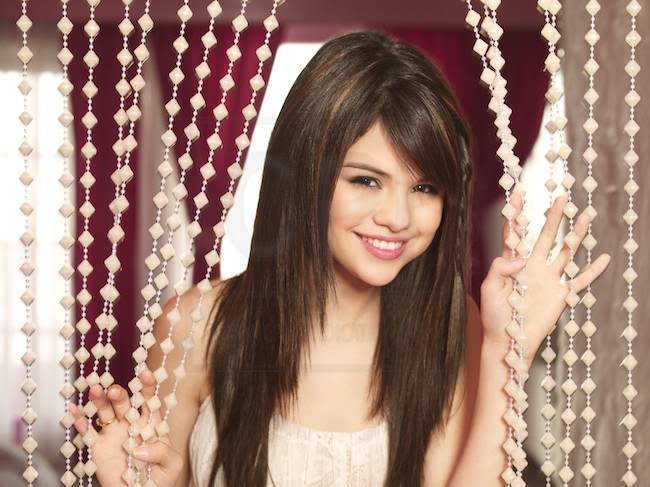 selena gomez photoshoot 2008. selena gomez who says cover