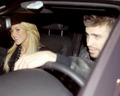 Shakira Piqué smile together in car