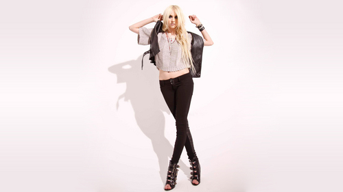 Taylor Momsen hình nền containing a well dressed person, a hip boot, and a legging called Taylor Momsen
