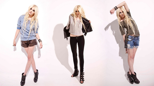 Taylor Momsen Hintergrund containing a well dressed person, a pantleg, and a legging titled Taylor Momsen
