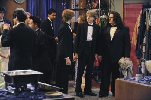 "The Suite Life on Deck ""Prom Night"""