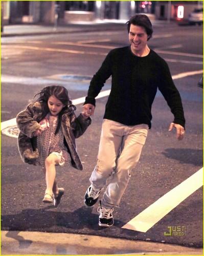 Tom Cruise: Steakhouse with Suri!