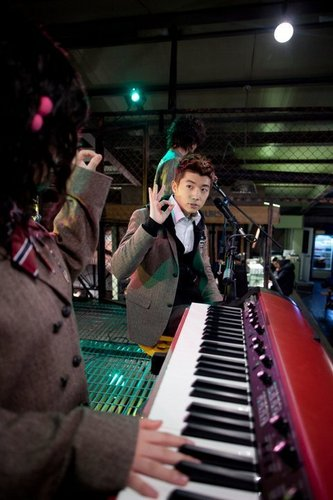 Dream High wallpaper probably containing a pianist entitled Wooyoung as Jason