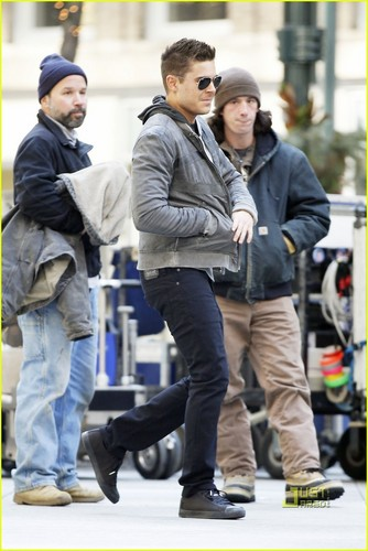 "Zac on set ""New Years Eve"""