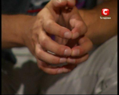 Alex's hands ♥ <3