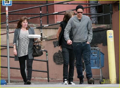 Alexander Skarsgard: Griddle Cafe with Mom & Bro!