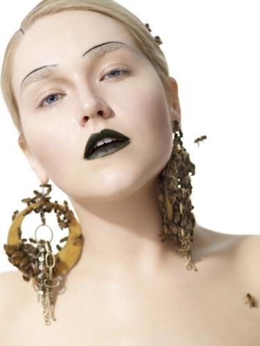 America's inayofuata juu Model Cycle 16 Live Bees Photoshoot