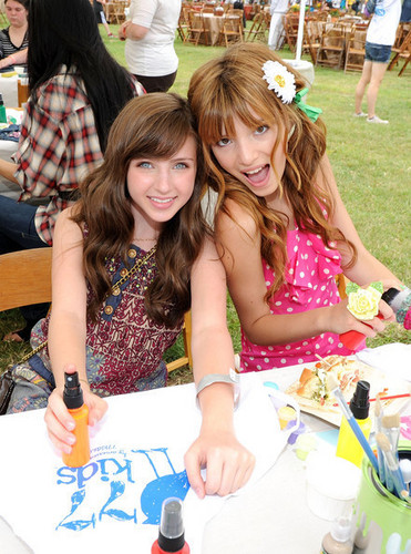 Bella Thorne Ryan Whitney Newman
