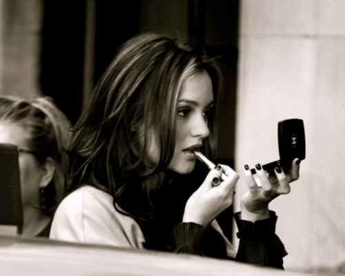 http://images4.fanpop.com/image/photos/19600000/Blair-Waldorf-blair-waldorf-19618964-500-400.png