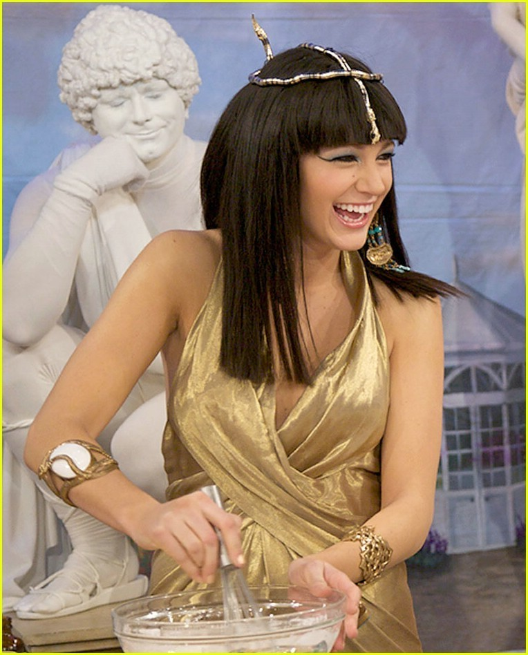 Blake Lively is Cleopatra