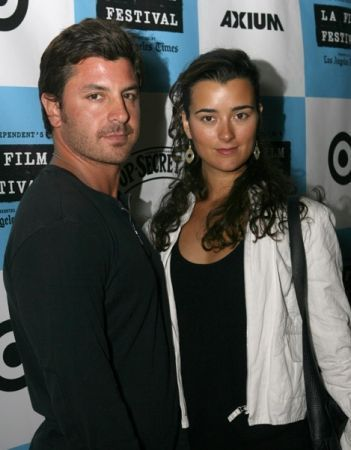 Cote with her boyfriend