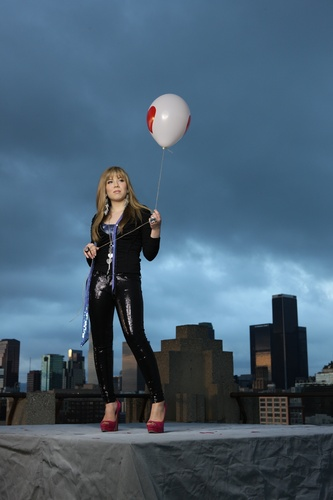 Jennette McCurdy achtergrond probably containing a meteorological balloon titled Generation Love