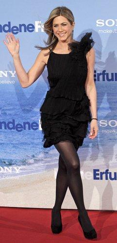 Jennifer Aniston & Brooklyn Decker - Just Go With It premiere in Berlin