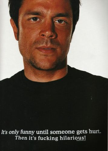 Johnny Knoxville 바탕화면 with a jersey entitled Johnny Knoxville