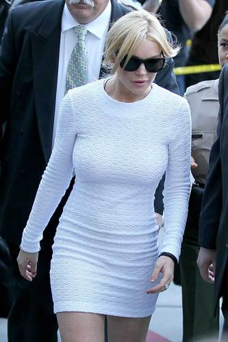 Lindsay Lohan - Underway to her seconde accueil the courthouse of LA
