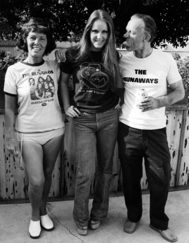 Lita Ford with her Mom and Dad in 1977