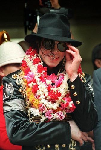 Michael <3 <3 প্রণয় আপনি