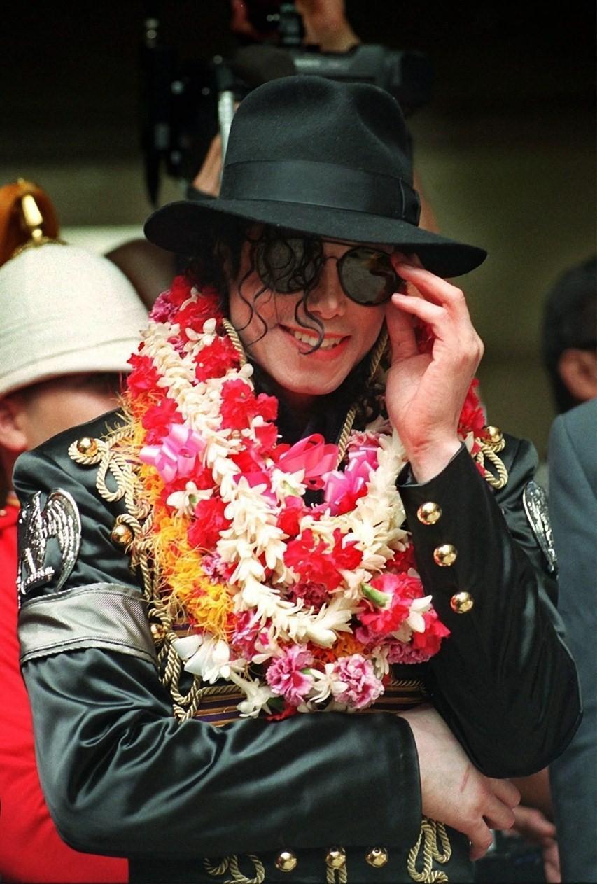Michael <3 <3 प्यार आप