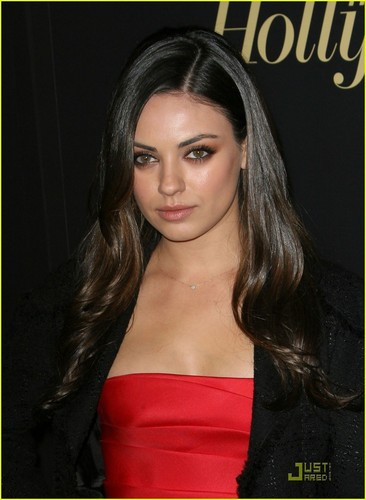 Mila Kunis: Vanity Fair Honors cáo, fox Searchlight