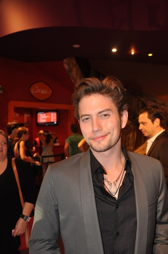 New HQ pic of Jackson Rathbone in Paris (Last Airbender Tour)