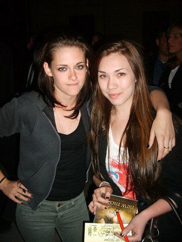 New? Photo Kristen Stewart with Fan