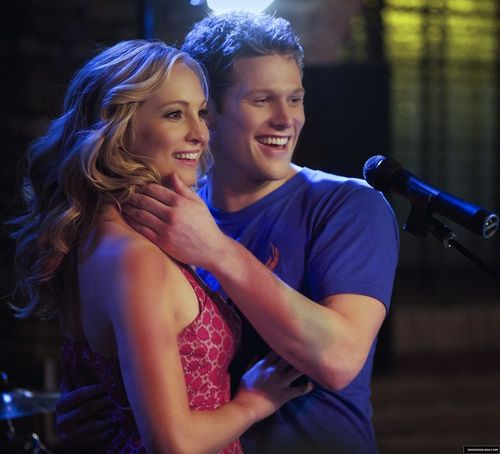 New stills of Caroline and Matt from 2x16: The House Guest!♥(HQ).