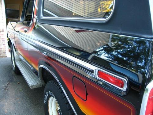 Pics of a really cool 78 free wheelin' Bronco!