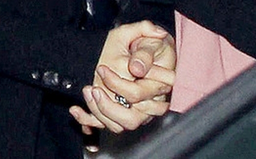 Shakiqué hands