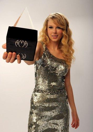 Taylor 2008 American Muzik Awards