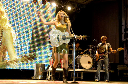 Taylor Chicago Country Musica festival