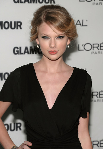 Taylor at the 19th Annual Glamour Women of the an