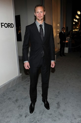 Alexander Skarsgård fondo de pantalla containing a business suit, a suit, and a single breasted suit called Tom Ford Beverly Hills Store Opening