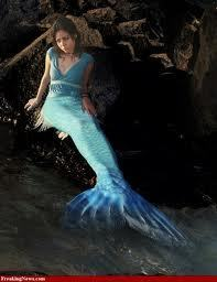 beaneath  the seas   . mermaids - mermaids Photo