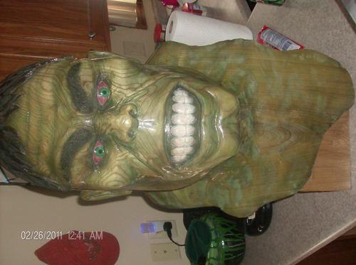 incredible hulk made from cây
