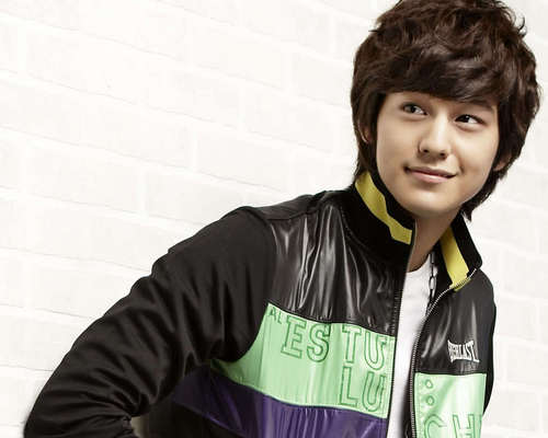Kim Bum Hintergrund possibly containing a portrait called ♥Kim Bum SPRIS♥