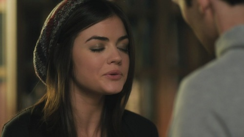 Aria Montgomery GIF - Find &- Share on GIPHY