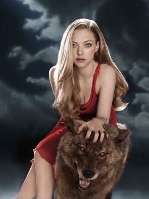 "Red Riding capuz, capa wallpaper titled Amanda Seyfried in ""Red Riding Hood"""