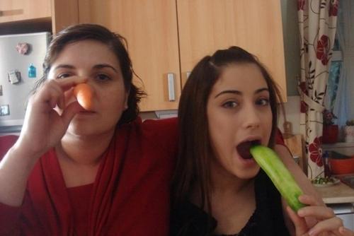 Ask-i Memnu Behind Scenes Nesrin & Nihal