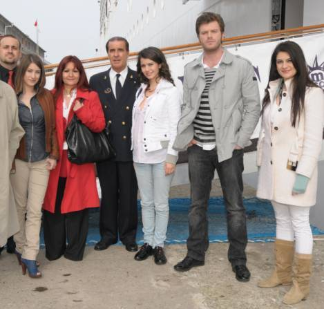 Beren Saat, Hazal Kaya &amp; Kivanc Tatlitug - ask-i-memnu Photo