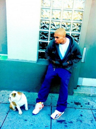 Chris Brown with his new blonde hair