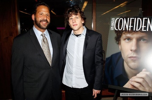 February 26th: LA Confidential Magazine Celebrates Cover 星, 星级 Jesse Eisenberg