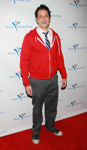 Johnny Knoxville @ Venice Family Clinic Silver lingkaran Gala 2011