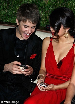 Justin Bieber & Selena Gomez Attend Vanity Fair Ocar Party 2gether In La 100% Real :) x
