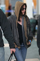 Kristen Stewart arriving at the Vancouver International Airport - twilight-series photo