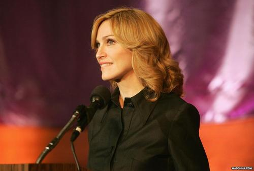 Madonna @ Hunter College for questions & réponses