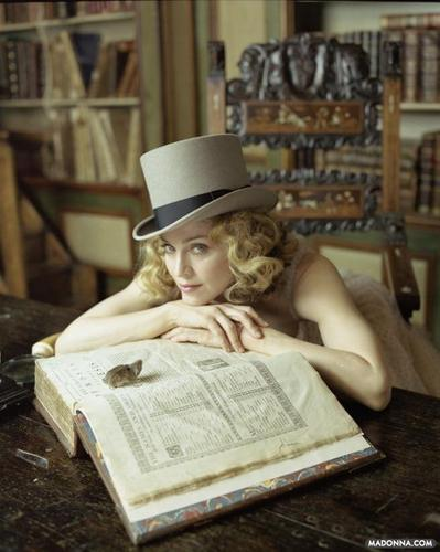 "Madonna ""Ladies accueil Journal"" Photoshoot"