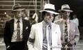 Michael is awww - michael-jackson photo
